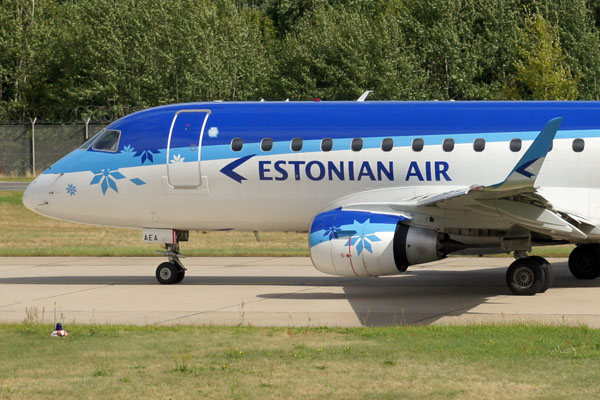 Estonian Air Embraer 170