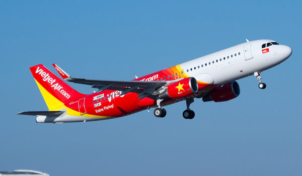 VietJetAir's first A320 on order from Airbus takes off from Toulouse, France for the first time