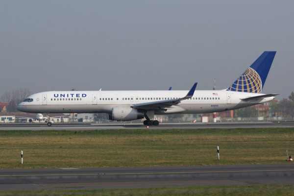 United Airlines Boeing 757-200 (© O. Pritzkow)
