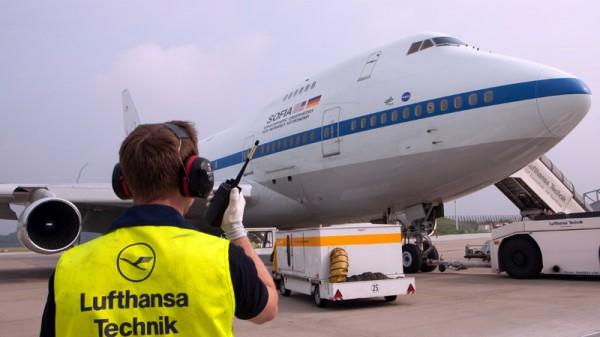 Boeing 747SP SOFIA at LH Technik Hamburg (© DLR)