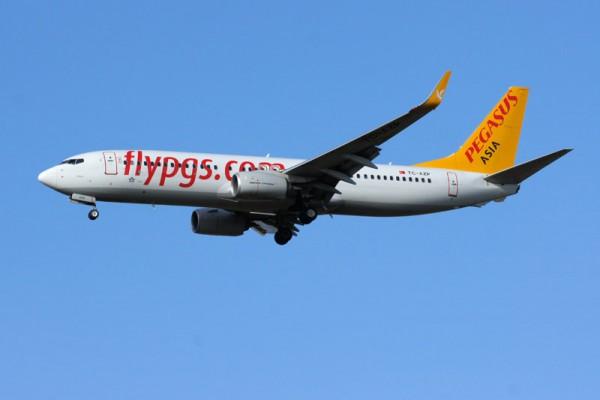 Pegasus Asia Boeing 737-800 (© O. Pritzkow)