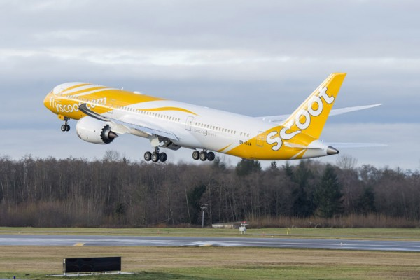 Scoot Boeing 787 fly-away (© Boeing)