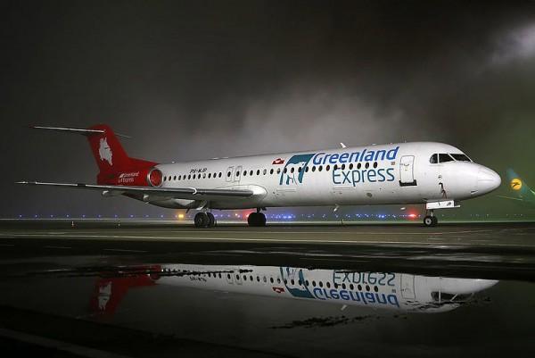 Greenland Express Fokker 100 (CC BY-SA 4.0 O. Volkov)