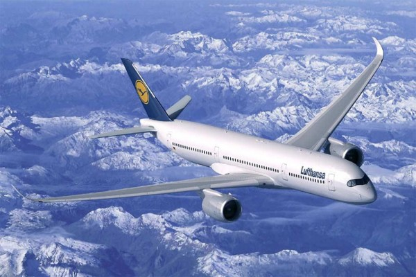 Airbus A350-900 XWB in the livery of Lufthansa (© Airbus)