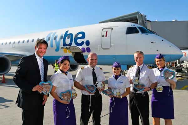 Begrüßung des Flybe-Erstflugs aus Cardiff am Flughafen München (© FMG)