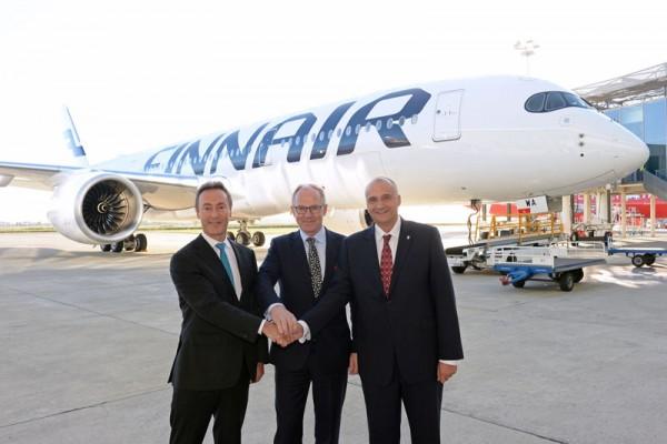 Übergabe des ersten A350 an Finnair (© Airbus)