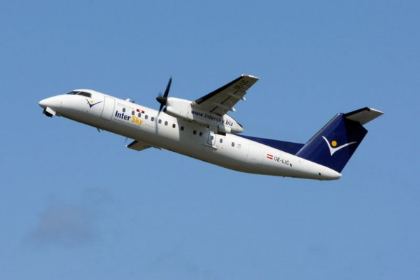 Bombardier Dash-8Q-300 der Intersky (© O. Pritzkow)