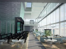 Food Court im neuen Satellitenterminal (© FMG)