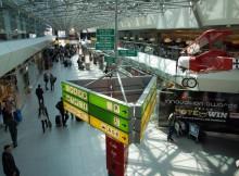 Blick in das Terminal des Flughafens Berlin-Tegel (© O. Pritzkow)
