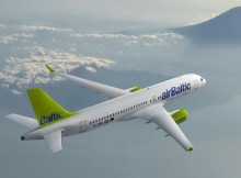 Bombardier CS300 in den Farben der Air Baltic (© Bombardier)