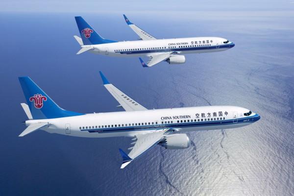 Boeing 737 MAX (vorn) in den Farben der China Southern (© Boeing)