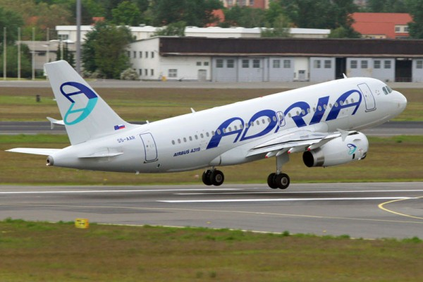 Adria Airways Airbus A319-100 (© O. Pritzkow)