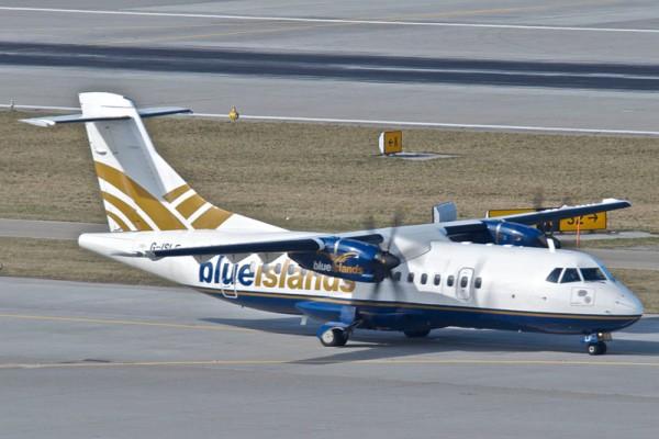 ATR42-500 der Blue Islands (CC BY-SA 2.0 Aero Icarus)