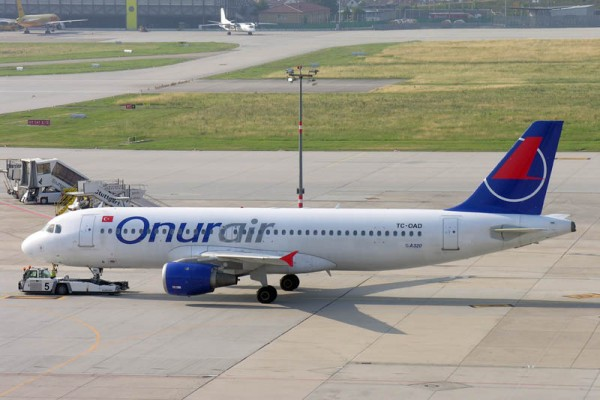 Onur Air Airbus A320-200 (© O. Pritzkow)
