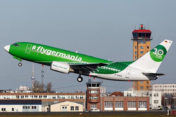 Boeing 737-700 der Germania im Jubiläumslook (© D. Kahra)