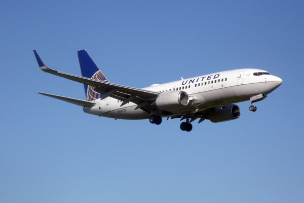 United Airlines Boeing 737-700 (Ibagli PD)