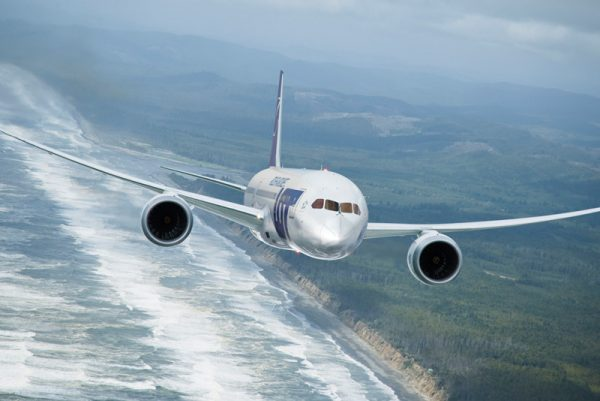 LOT Boeing 787 Dreamliner (© LOT)